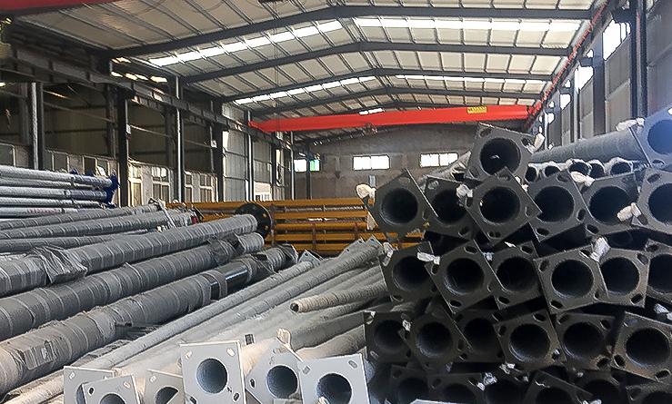 毛坯焊接、热镀锌处理、表面喷塑、出厂发货、安装结束一条龙服务
